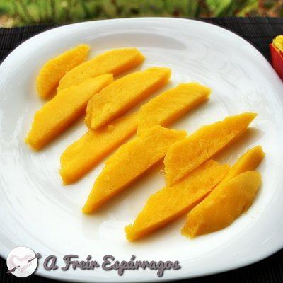 Cómo cortar y pelar un mango