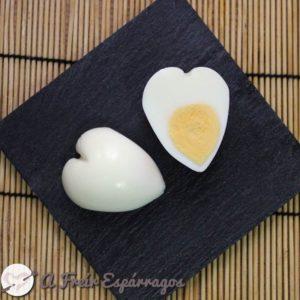Huevo cocido corazón 11