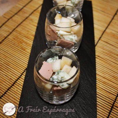 Chupitos de foie, pera y queso roquefort