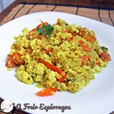 Revuelto de tofu (de aspecto y sabor a revuelto de huevo)
