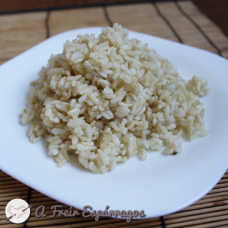 Cómo cocinar arroz integral rápido