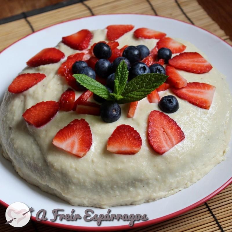 Tarta de fresa vegana, integral y sin azúcar